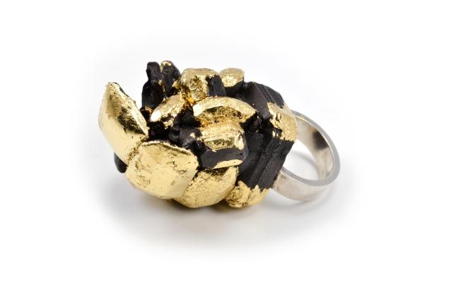Concrete Costume Cluster Cocktail Ring - Black
