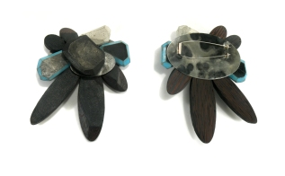 Aquaonyx Brooch